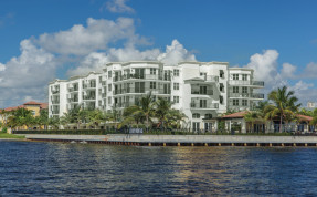 Peninsula on the Intracoastal